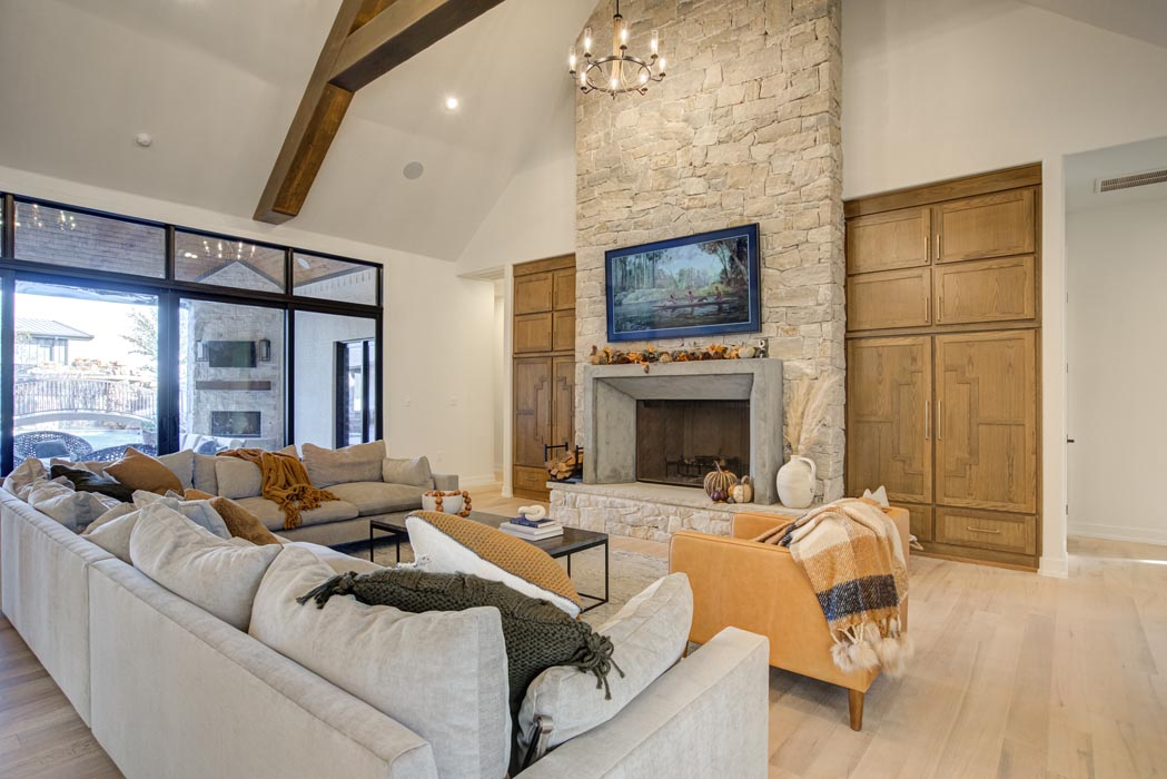 Example of spacious, beautiful living room in new home built by Sharkey Custom Homes in Lubbock, Texas.